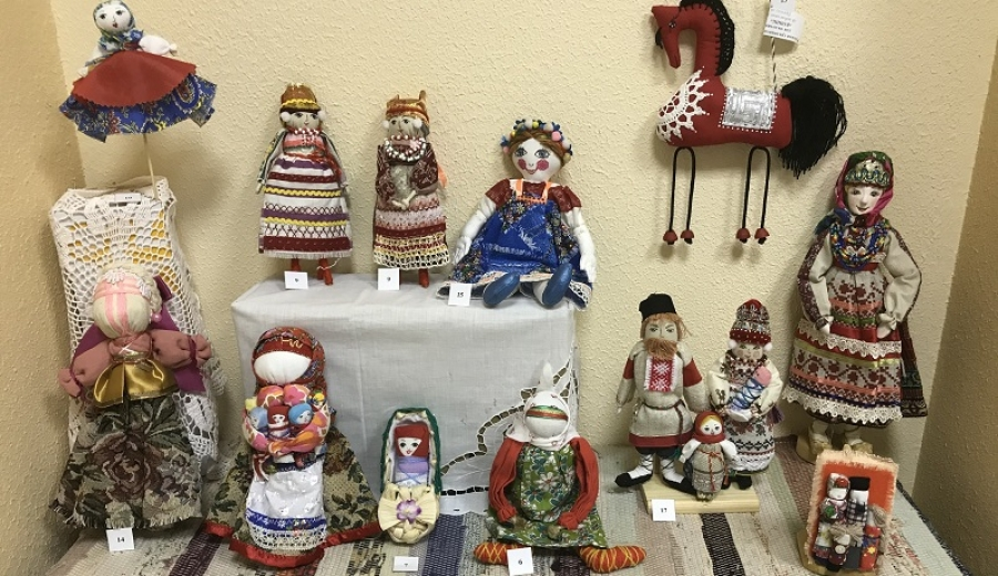 В Музее истории Балабаново открылась выставка кукол ручной работы
