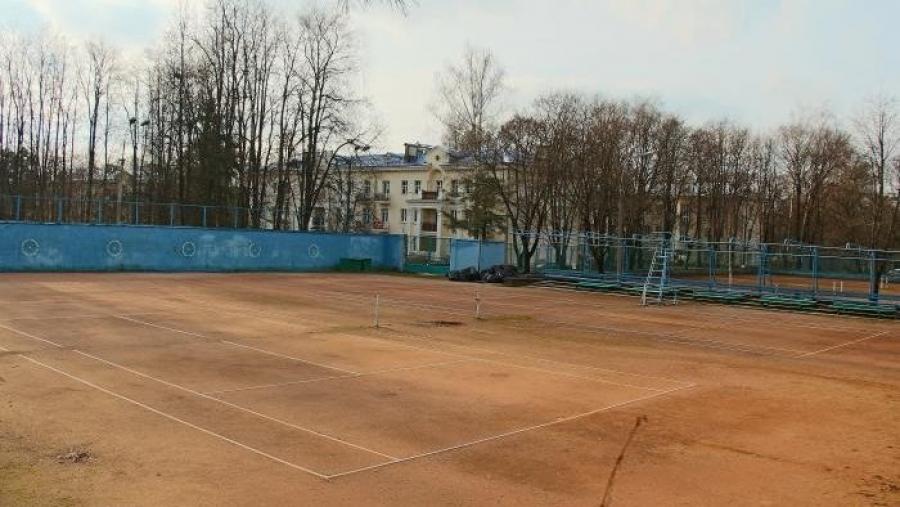 На следующей неделе в Старом городе откроют теннисный корт