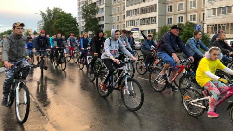 Вечерний велопробег в Обнинске: город без машин, 8 километров в пути, 800 участников