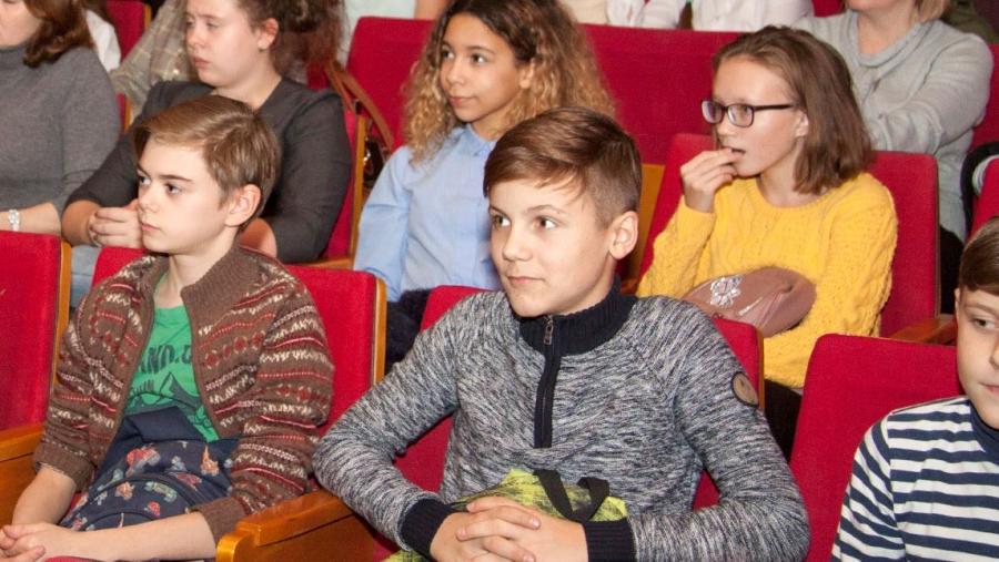 Лекция гендиректора ФЭИ Андрея Говердовского по ядерной физике собрала более 500 школьников