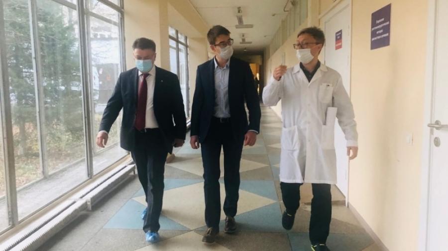 Министр здравоохранения Калужской области Алан Цкаев посетил КБ №8