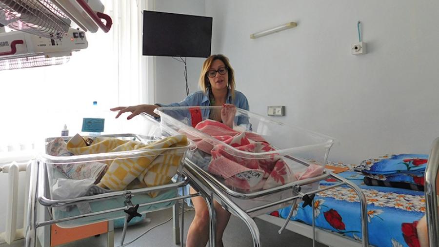 В обнинском роддоме женщина с рубцом на матке благополучно родила близнецов
