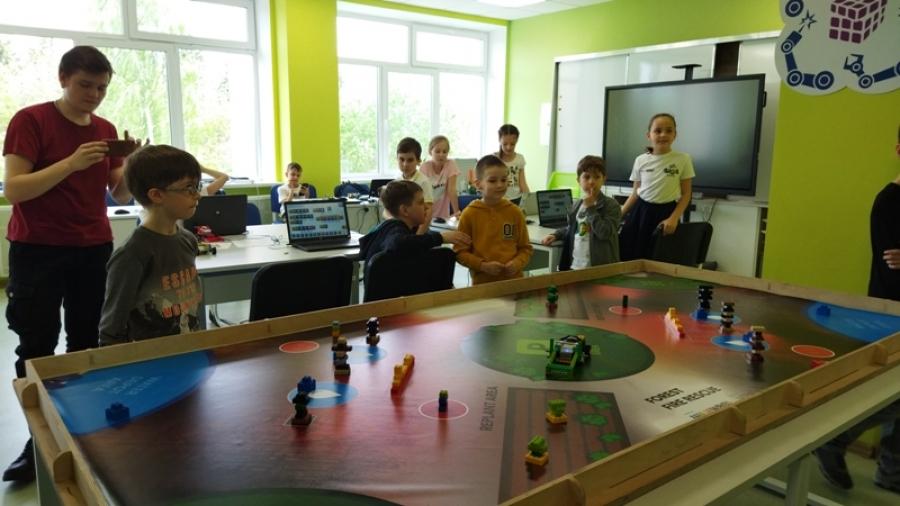 В Кванториуме проходит региональный этап Всероссийской робототехнической олимпиады WRO