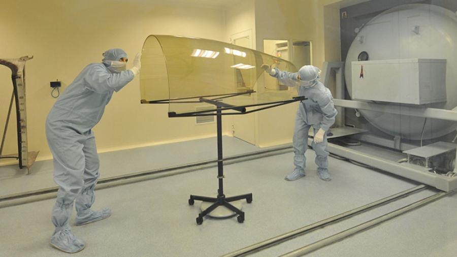 Молодые ученые обнинской «Технологии» создают уникальное покрытие для остекления кабин пилотов военных самолетов