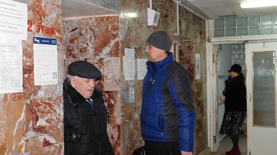В обнинской КБ №8 большинство пассажирских лифтов требует замены
