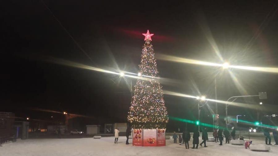 В Малоярославце просят вернуть похищенные с городской елки украшения