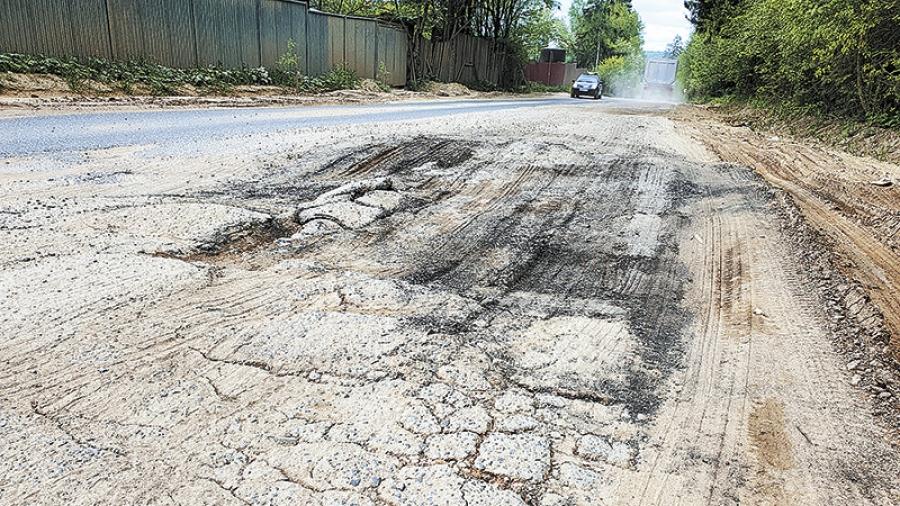 После многочисленных обращений жителей Обнинска и Боровского района областные власти пообещали отремонтировать дорогу на Машково