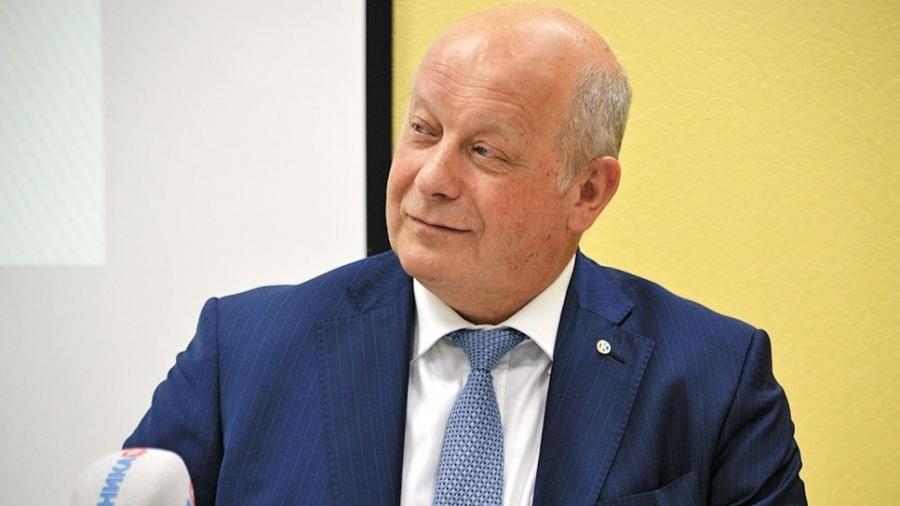 Гендиректор АИРКО Анатолий Сотников удостоен высокой губернаторской награды