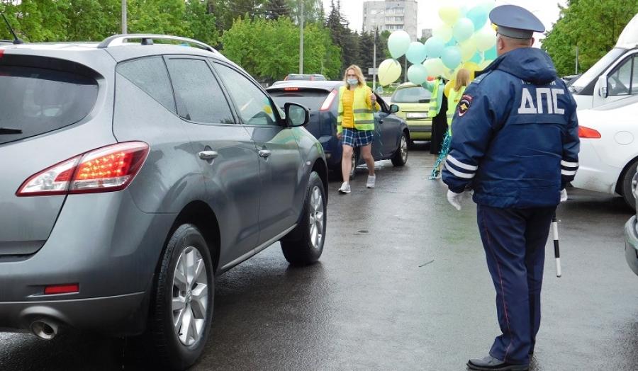 Инспекторы ГИБДД г. Обнинска провели акцию в честь Дня защиты детей