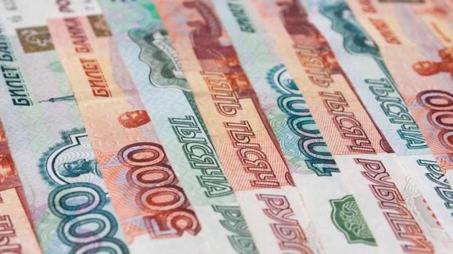 Средняя зарплата в регионе - более 42 тыс. рублей