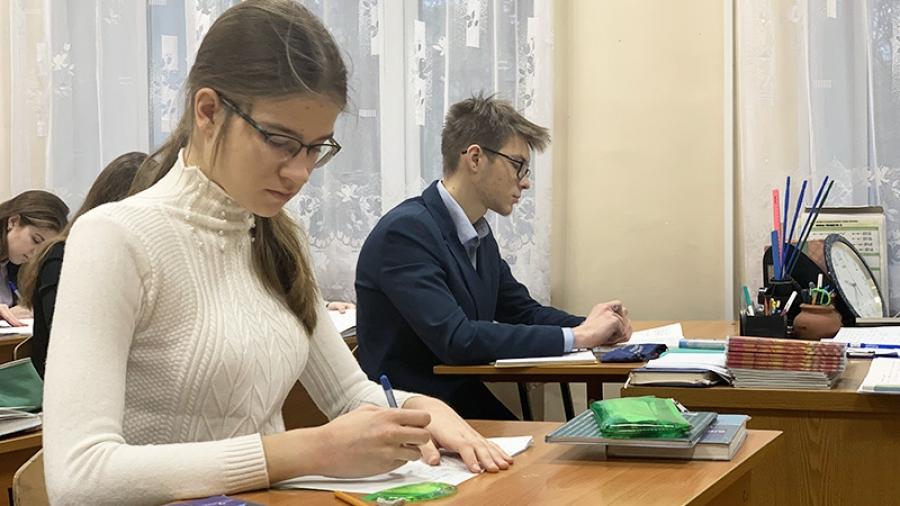 Каникулы на пользу: ученики обнинской гимназии активно готовятся к городскому этапу всероссийских олимпиад