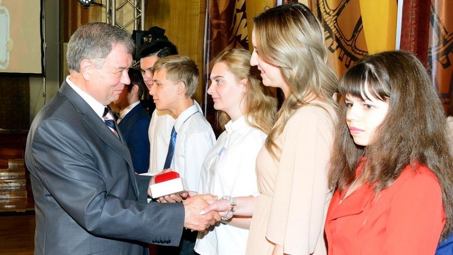 26 обнинских выпускников окончили школу с золотой медалью