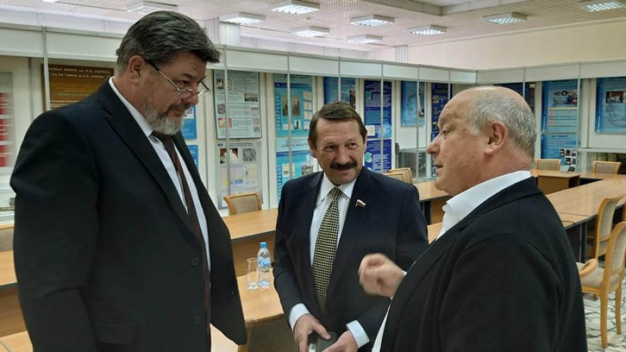 Слева направо: Геннадий Артемьев, Геннадий Скляр, Анатолий Сотников