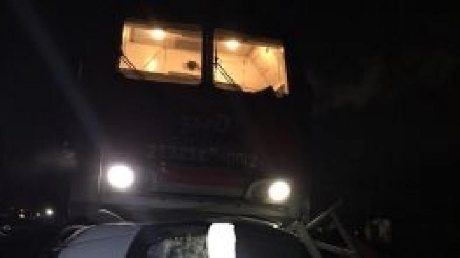 """На железнодорожном переезде в Калуге тепловоз протаранил грузовую """"Газель"""""""