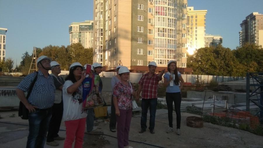 Дольщики «Комфортного города» проверили, как идет строительство их дома