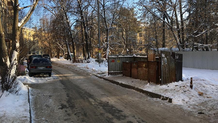 Вывозу мусора в обнинских дворах мешают одни и те же люди