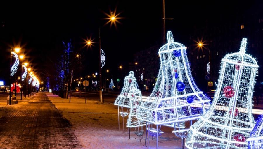 В этом году гамма новогоднего наряда Обнинска будет выполнена в золотом цвете