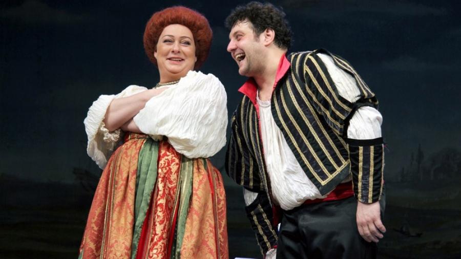 17 ноября на сцене ГДК Михаил Полицеймако и Мария Аронова разыграют старинную пьесу в постановке одного из самых острых современных режиссеров