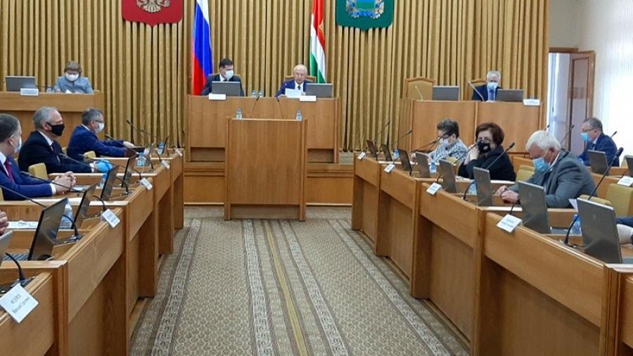 Председатель парламента поблагодарил участников конкурса школьных музеев