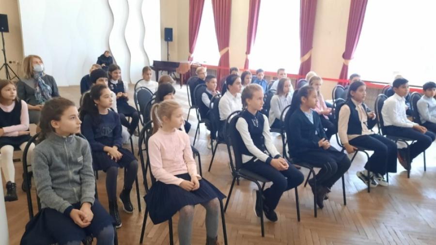 Обнинским школьникам рассказывают о маршале Жукове