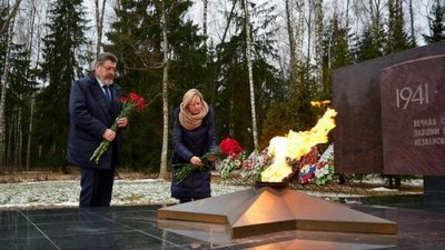 В Обнинске почтили память воинов, погибших в боевых действиях