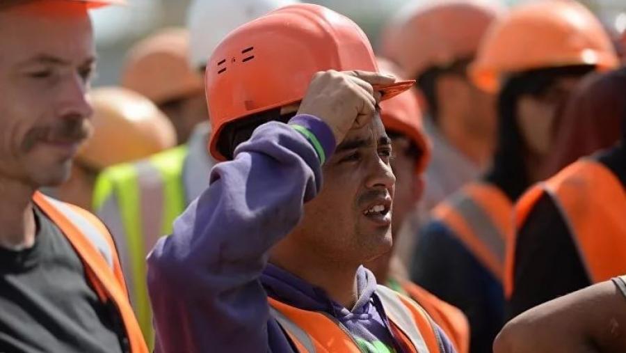 По официальным данным, число иностранных рабочих в Калужской области падает