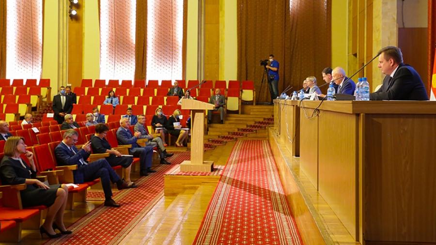 В Законодательном Собрании