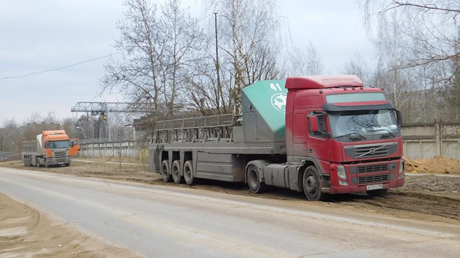 До 10 апреля на Пяткинском проезде в районе поворота на плотину появятся знаки, запрещающие остановку на обочине