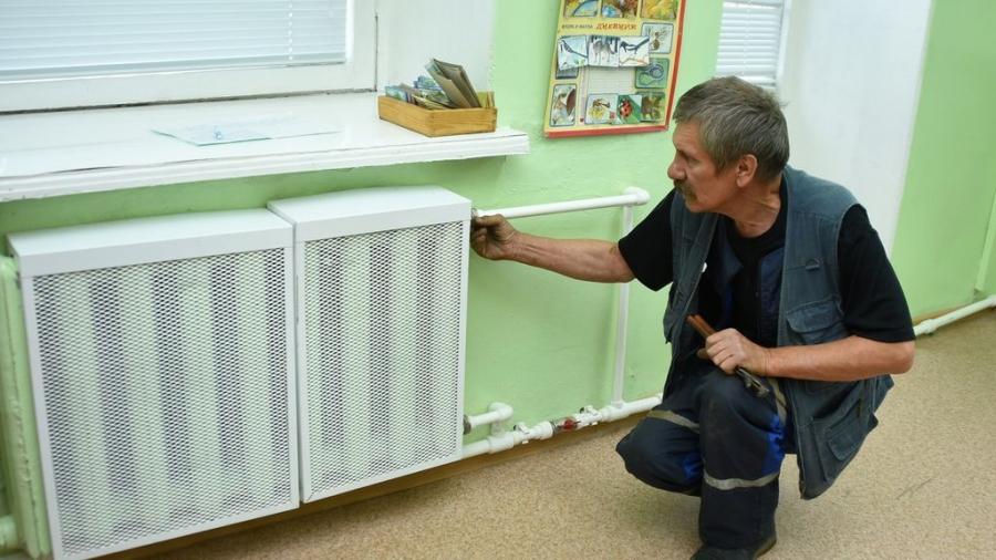 В Калужской области из-за похолодания раньше нормативного срока тепло дали в садах, школах и больницах