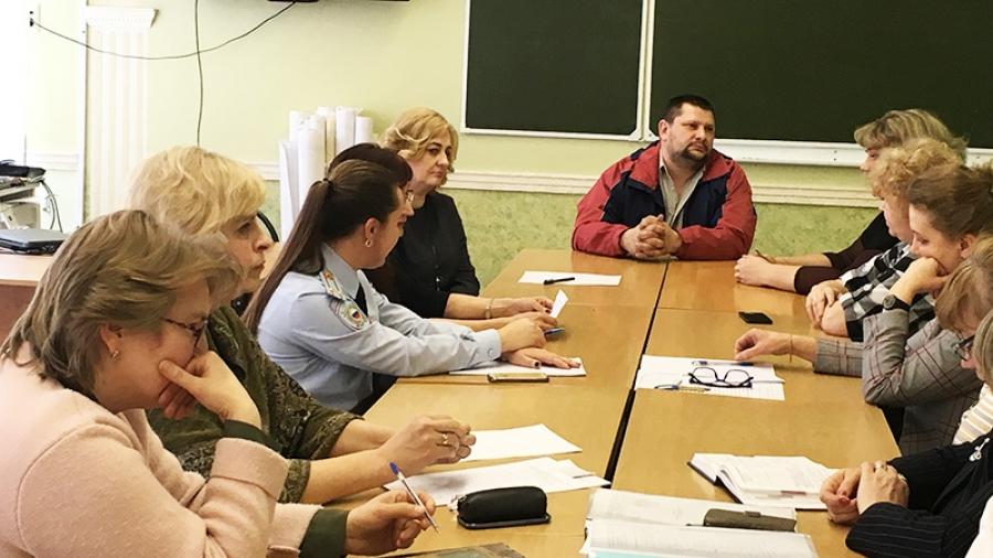 На этой неделе в Обнинске половину детей из 6-го класса родители не пустили в школу