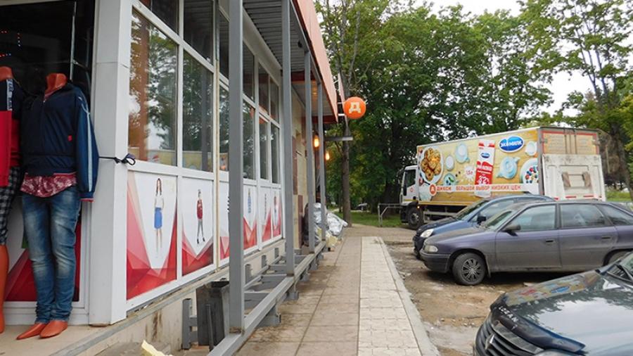 """На те же грабли: после сноса незаконной пристройки у """"Дикси"""" в Обнинске там опять началось строительство без разрешения"""