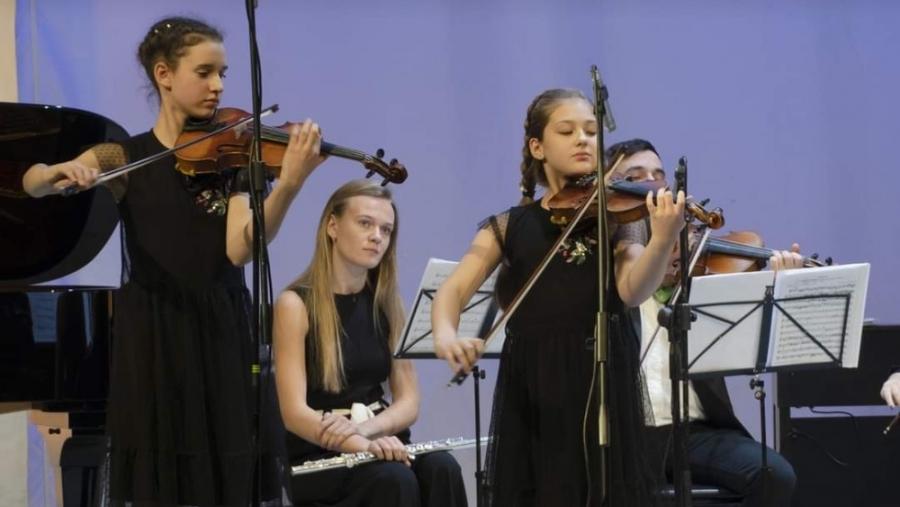 Обнинские юные скрипачки отправляются на легендарный Зимний фестиваль искусств Башмета в Сочи