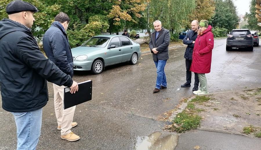 Депутатская комиссия начала проверять дороги перед зимой