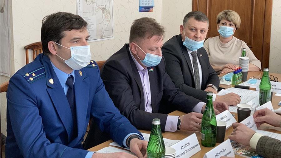 Депутаты Заксобрания взяли на контроль ситуацию с «Трансметом»