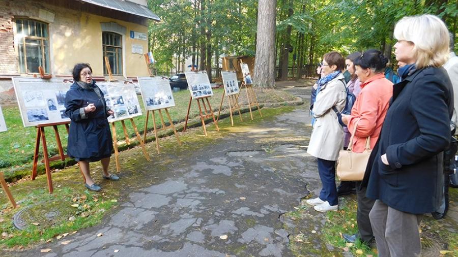 У Морозовской дачи открылась передвижная выставка «Штаб Западного фронта на территории Обнинска»