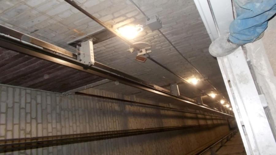 В Обнинске продолжается ремонт лифтов