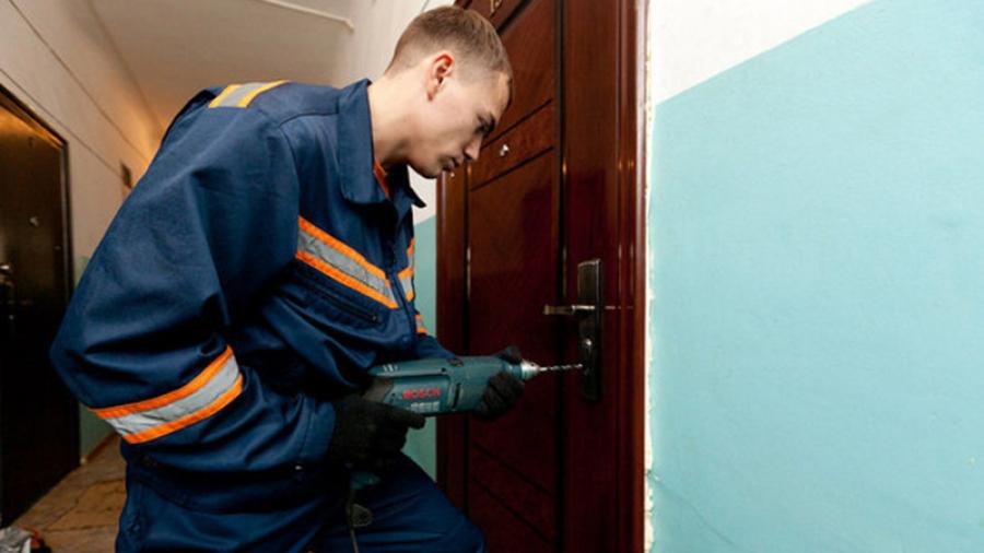 Обнинский пенсионер из-за конфликта с соседом не может попасть в квартиру