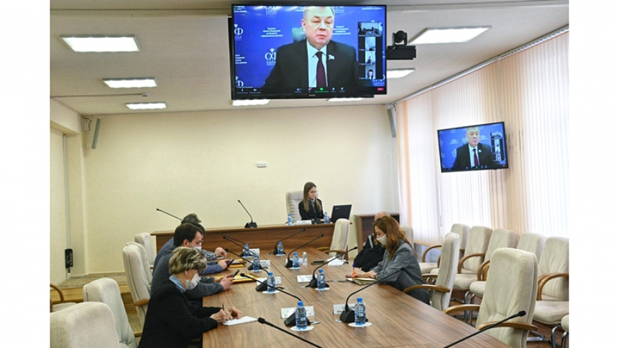 Анатолий Артамонов отчитался за год работы в сенате