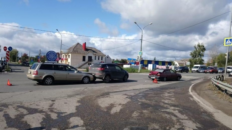 В массовом ДТП в Обнинске пострадал трехлетний ребенок