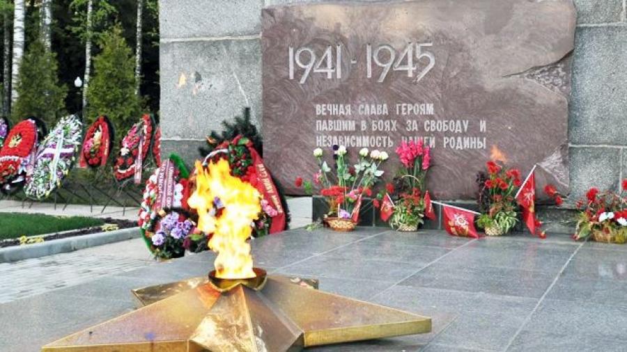 В Обнинске продолжаются работы по реконструкции мемориала Вечный огонь
