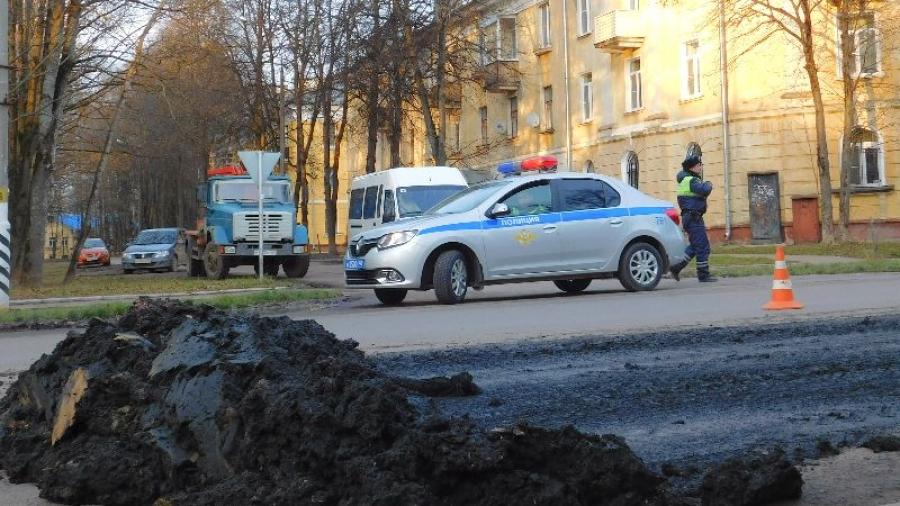 В Обнинске при перевозке с очистных на дорогу просыпался так называемый почвогрунт