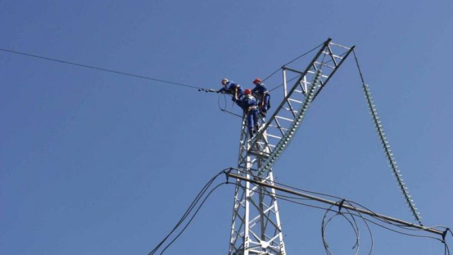 «Россетти ФСК ЕЭС» устанавливает новый грозозащитный трос на линии электропередачи «Михайловская – Чагино»