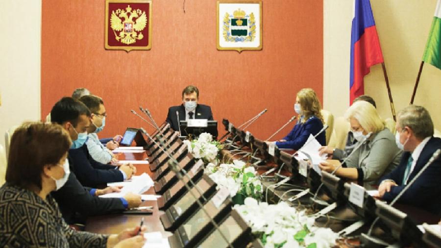 Устав Калужской области приведут в соответствие с новыми нормами Конституции РФ