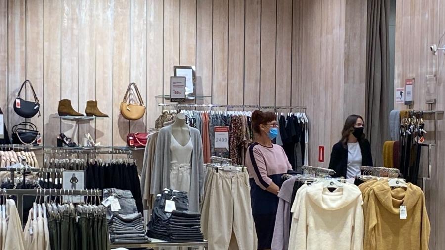 Во многих обнинских магазинах посетителей без масок отказываются обслуживать