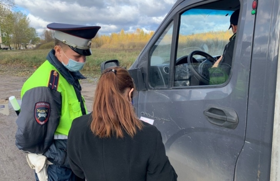 Обнинские автоинспекторы выявляли неплательщиков штрафов прямо на дороге