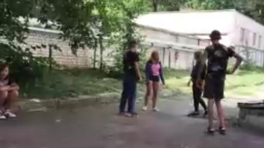 В Калуге следком установил личности девочек, «прославившихся» избиениями