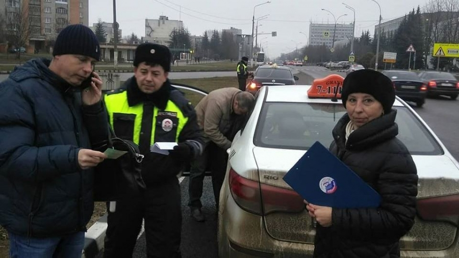 ГИБДД проверила обнинских таксистов