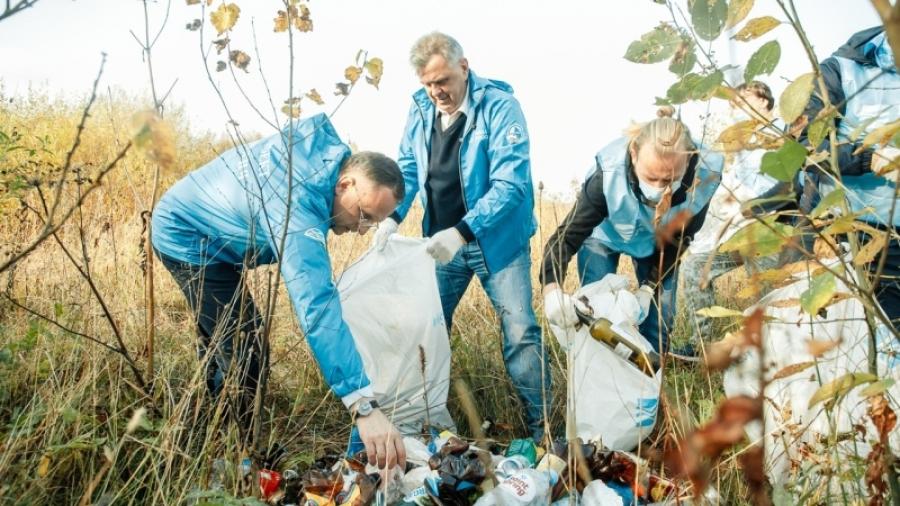 В Калужской области в этом году волонтеры очистили от мусора 350 км береговых линий