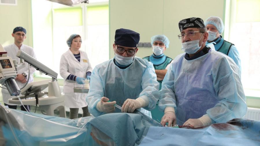 Спустя полгода после первой в России операции по радиоэмболизации опухоли печени, врачи рассказали, как чувствует себя пациент