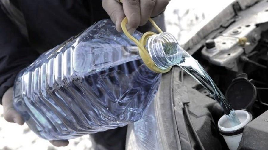 """Боровские полицейские конфисковали 530 литров """"незамерзайки"""""""